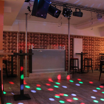 twins EVENT CLUB DJ Set-up & Tanzfläche